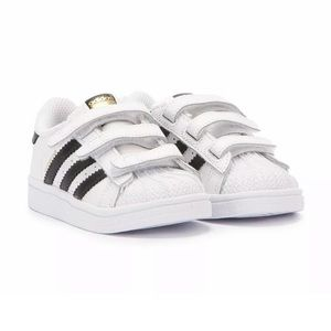 Adidas Superstar Sneakers - White&Black - Size 8T